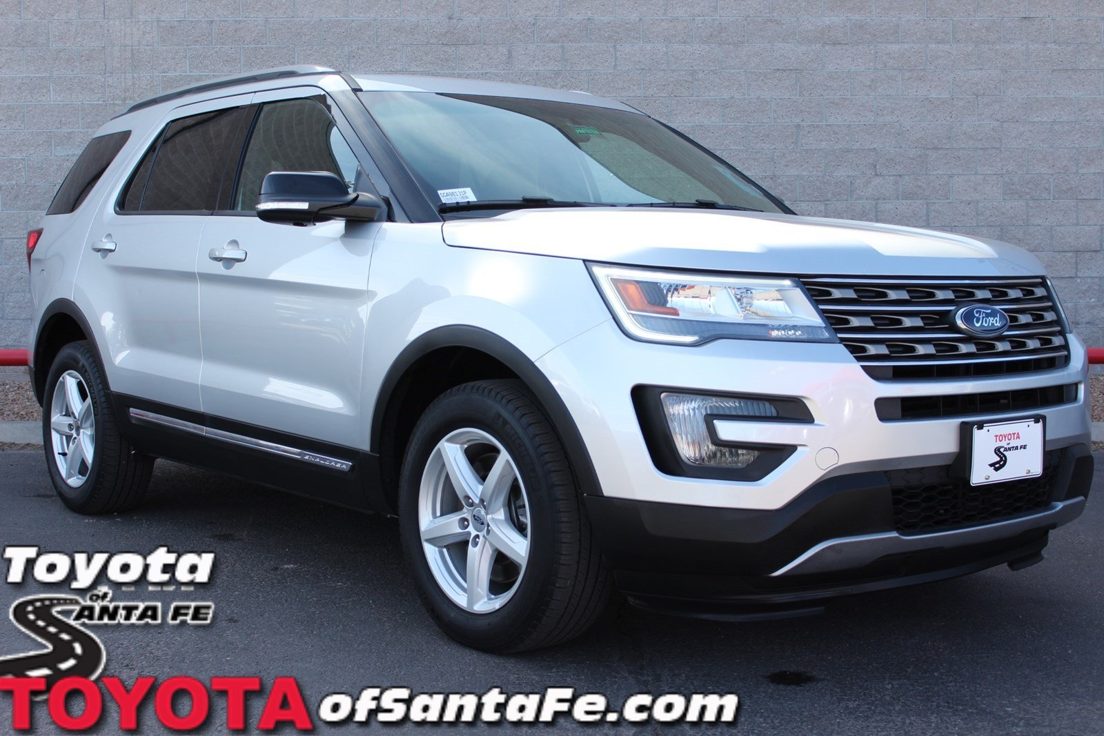 Pre-Owned 2016 Ford Explorer XLT 4WD  #GGA98131P
