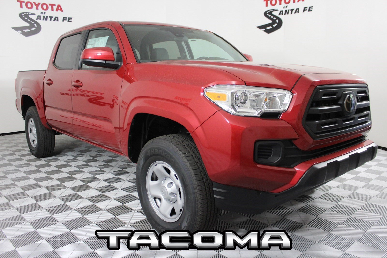 New 2019 Toyota Tacoma SR Double Cab 5' Bed V6 AT KM279087