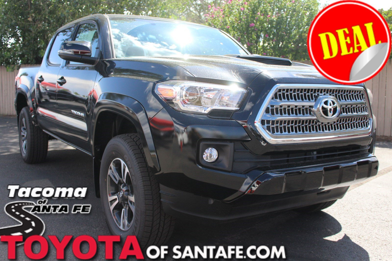 New 2017 Toyota Tacoma TRD Sport Double Cab 5' Bed V6 4x4 AT Double Cab Truck