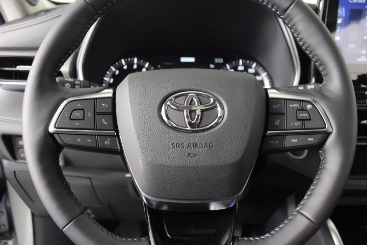 New 2020 Toyota Highlander Limited AWD