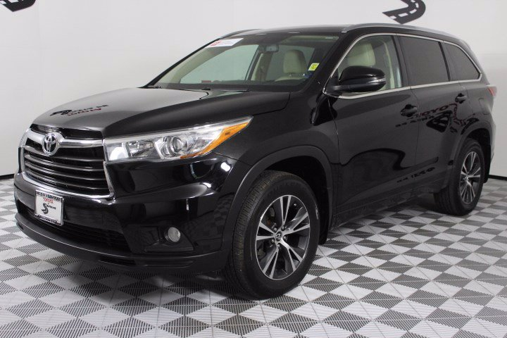 Certified Pre-Owned 2016 Toyota Highlander AWD 4dr V6 XLE