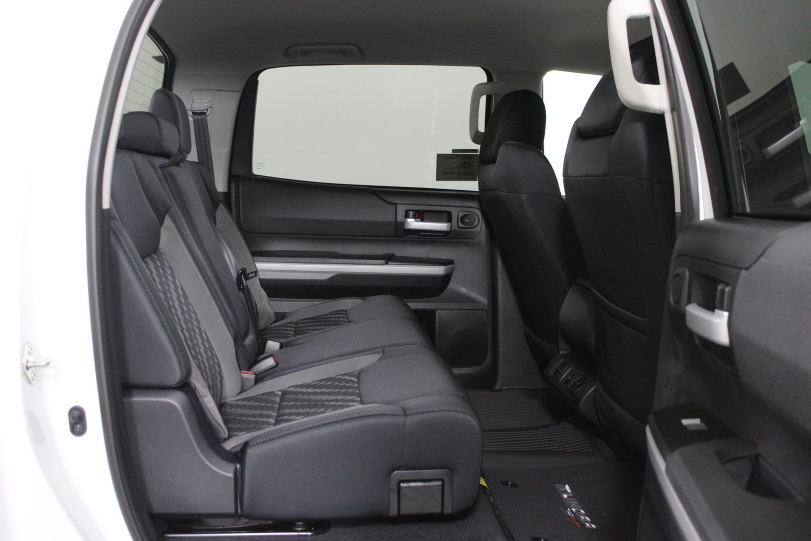 New 2019 Toyota Tundra SR5 CrewMax 5.5' Bed 5.7L