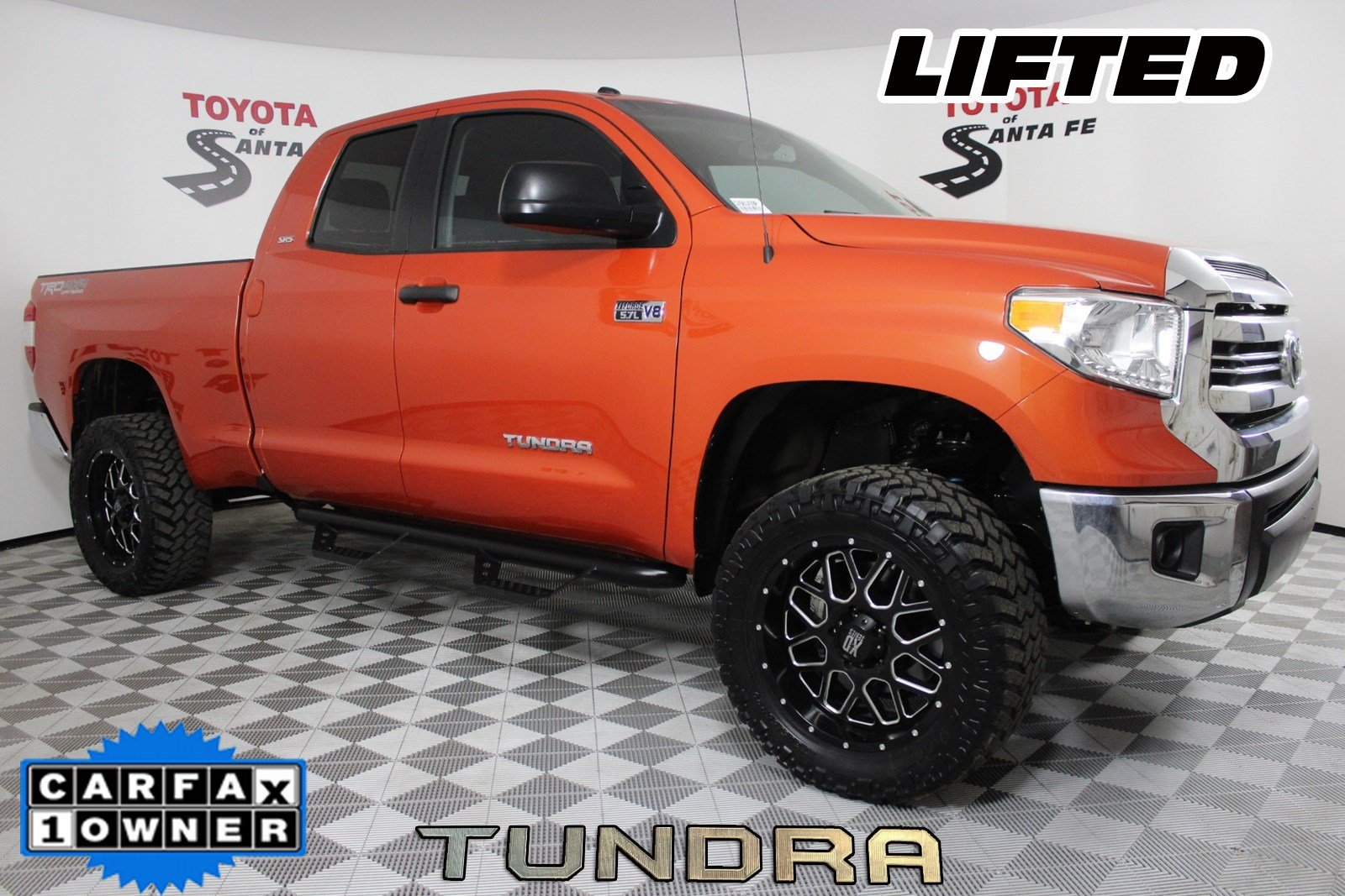 Pre-Owned 2016 Toyota Tundra SR5 4WD GX561439P