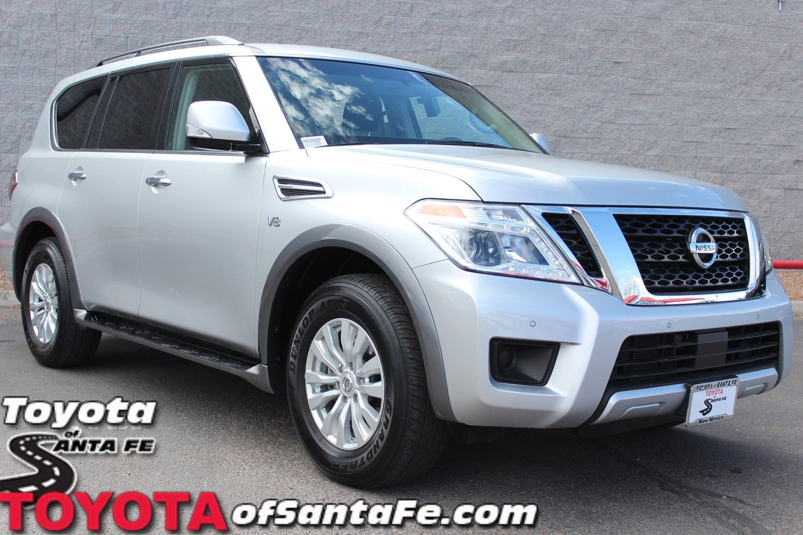 Pre-Owned 2017 Nissan Armada SV With Navigation & AWD H9502926P