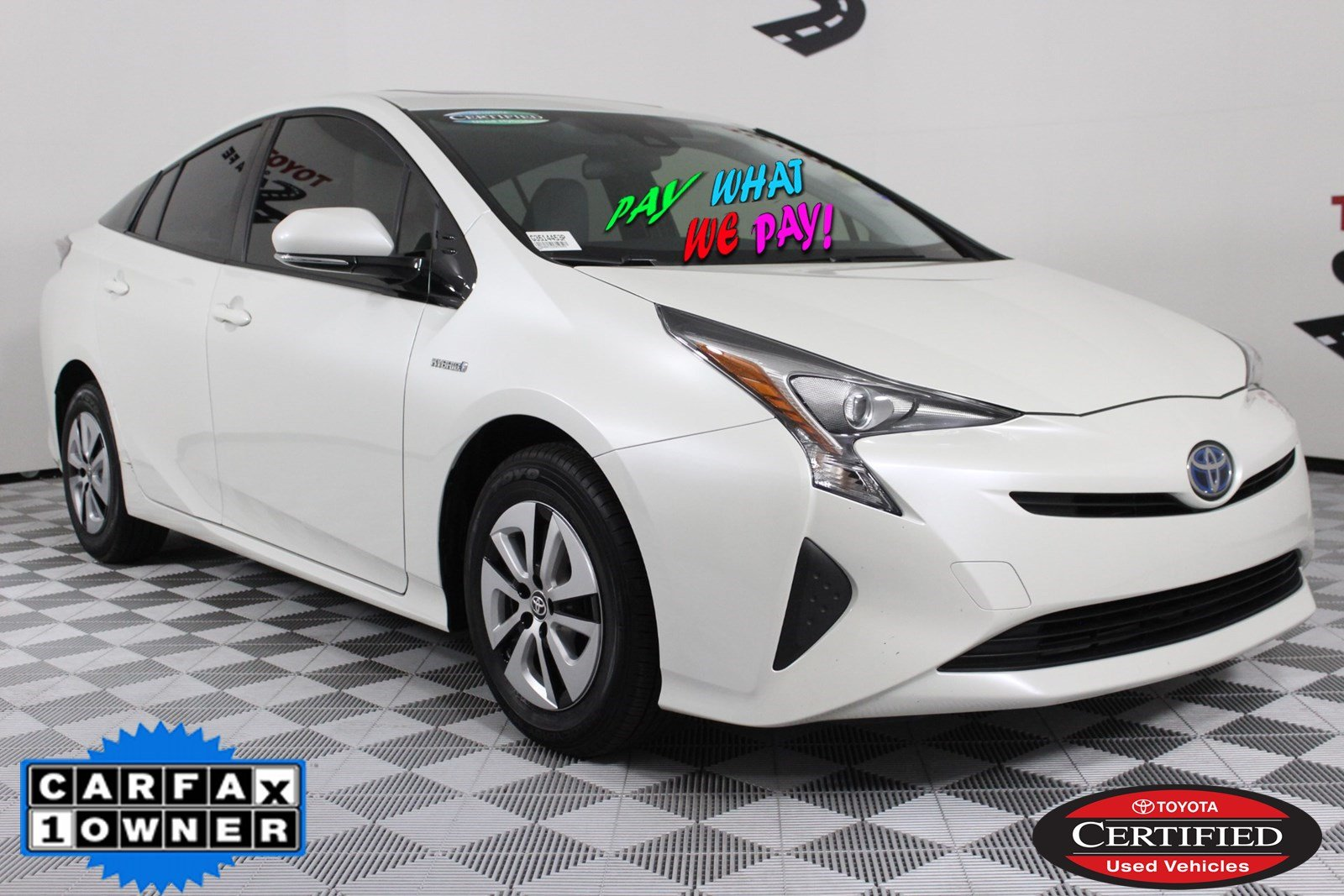 Certified Pre-Owned 2016 Toyota Prius Three FWD Hatchback G3514453P