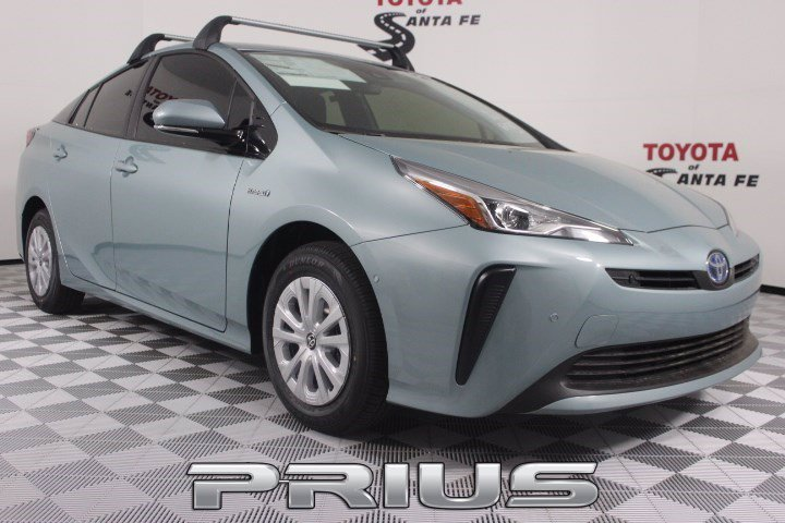 New 2020 Toyota Prius LE FWD